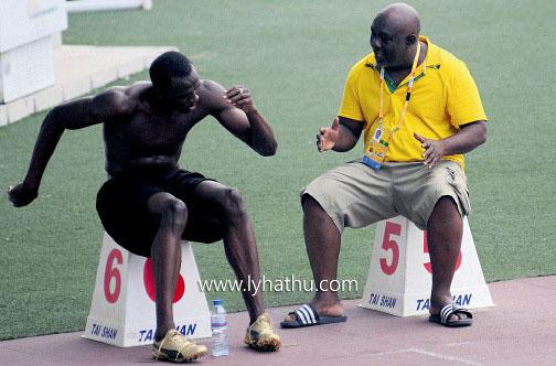 Luôn có huấn luyện viên ở bên Usain Bolt mỗi khi luyện tập